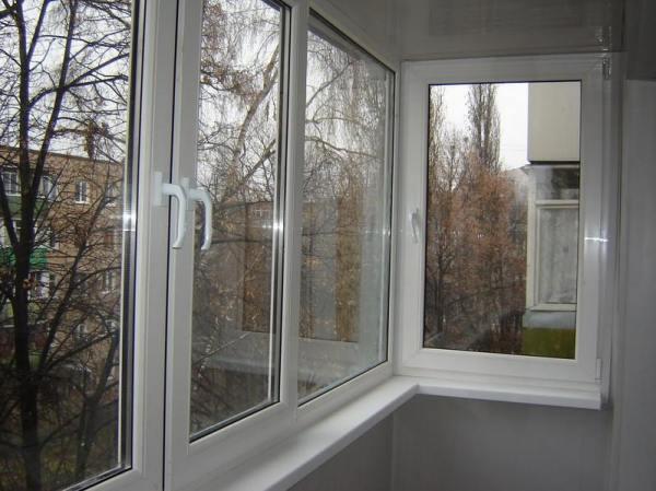 остекление балкона в Симферополе на Москольце
